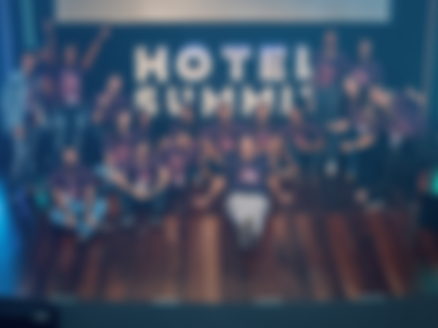 Olha a pose da equipe de produção do Hotel Summit 2019