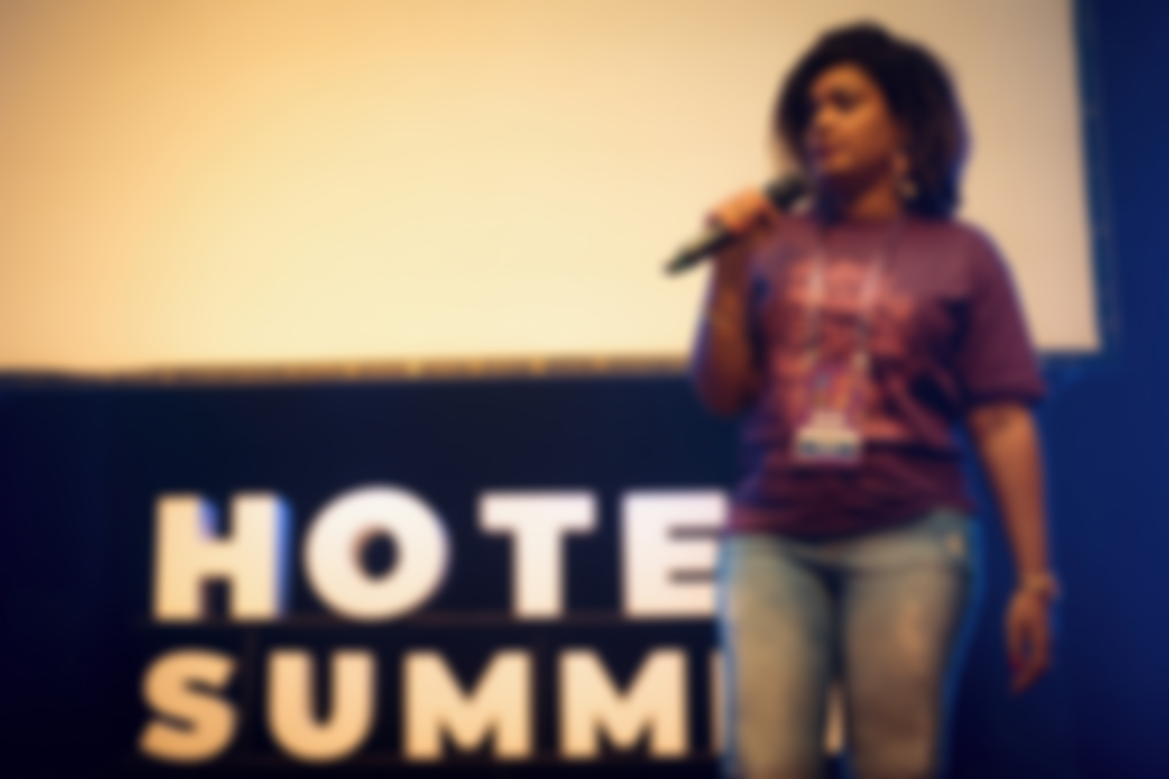 Palestrante Roseane pela selfHotel no Hotel Summit 2019