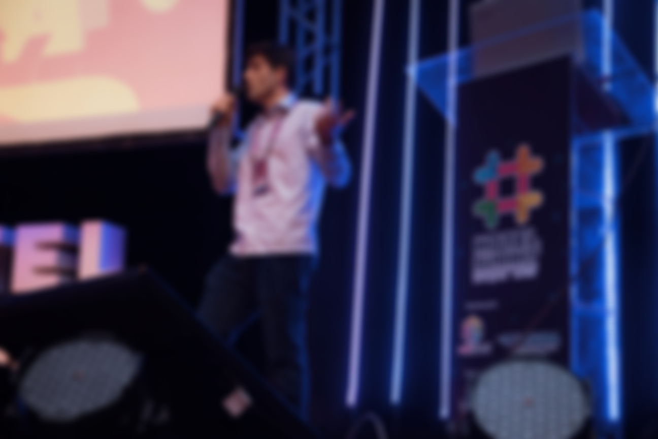 Palestrante Rodrigo Teixeira em cena - Hotel Summit 2019