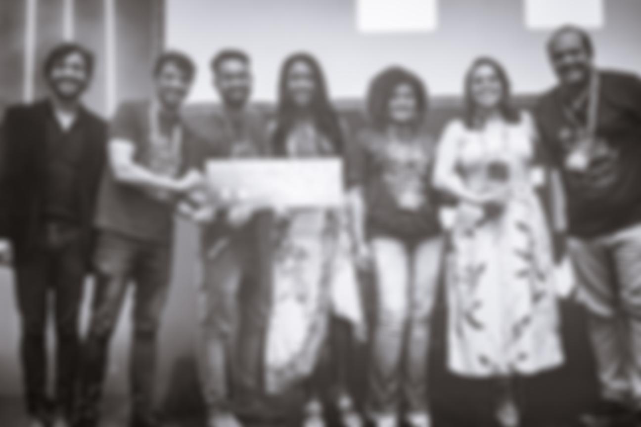 Equipe selfHotel com ganhadoras do prêmio no Hotel Summit