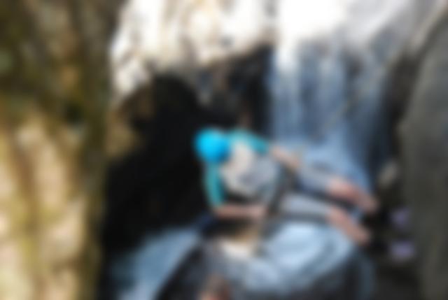 Rapel em cachoeiras