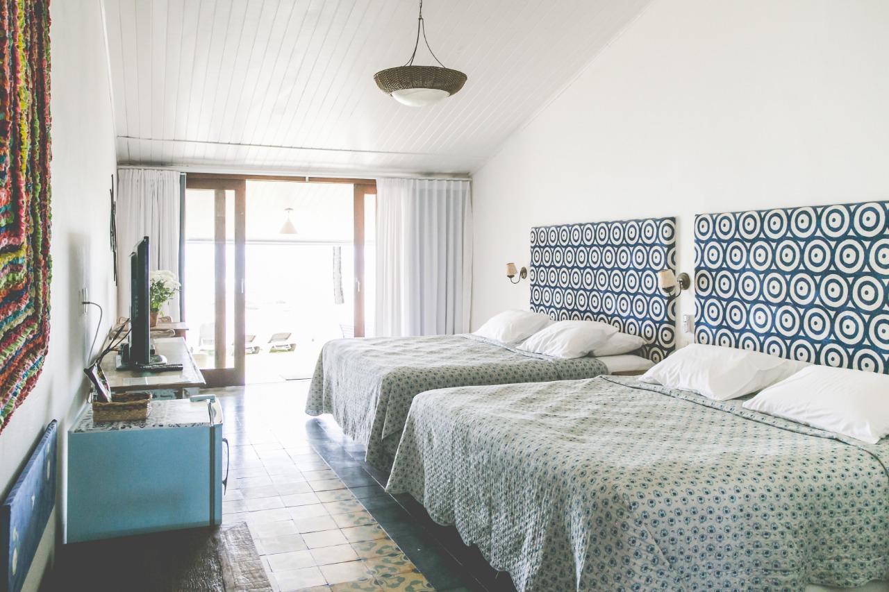 Apartamento 4 com duas camas Queen, varanda frente mar