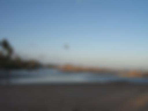 Imbassaí:cenário de rio e mar
