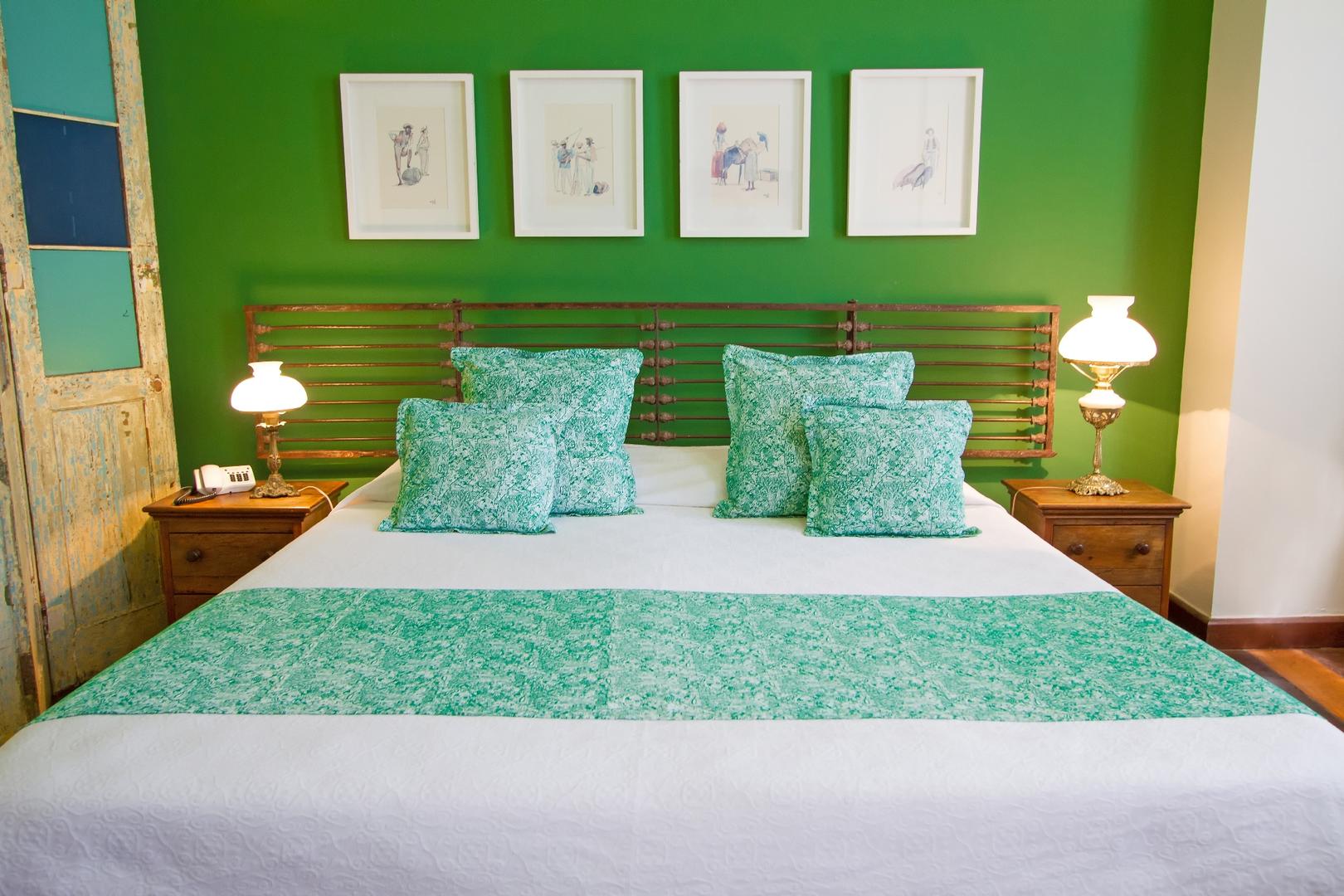 Quarto casal luxo Oxóssi, cama queen, Pelourinho, Salvador