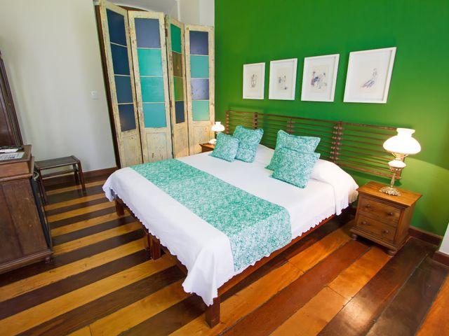 Quarto casal luxo Oxóssi, cama queen, vista Pelourinho