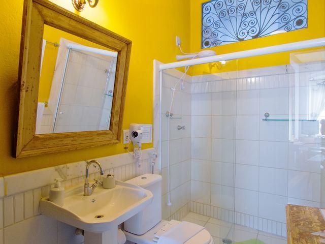 Banheiro privativo, quarto casal Oxum, Pelourinho, Salvador