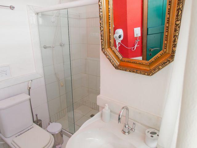 Banheiro privativo, quarto casal Xangô, Pelourinho, Salvador