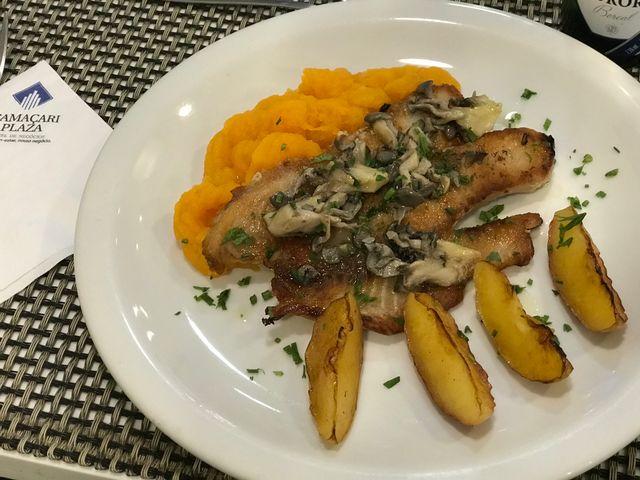 Tilapia com Shimeji - Restaurante Plaza Grill