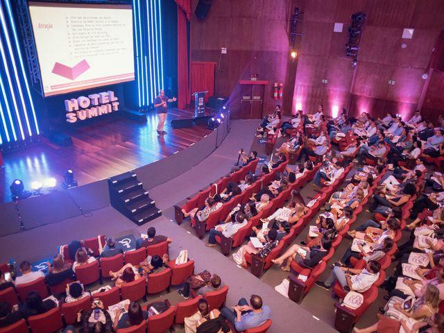 Plenária na palestra de Canella - Hotel Summit 2019